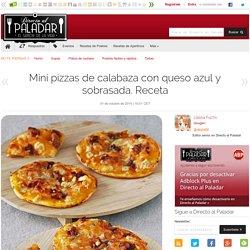 Mini pizzas de calabaza con queso azul y sobrasada