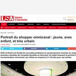 Portrait du shopper omnicanal : jeune, avec...