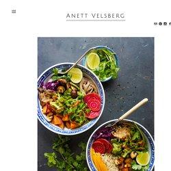 RAINBOW VEGGIE BOWLS with a peanut sauce — Anett Velsberg