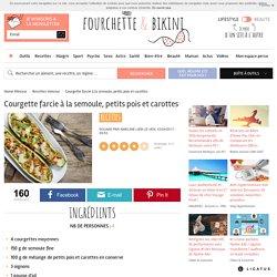 Recette de Courgette farcie à la semoule, petits pois et carottes