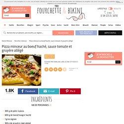 Recette de Pizza minceur au boeuf haché, sauce tomate et gruyère allégé