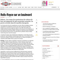 Rolls-Royce sur un boulevard