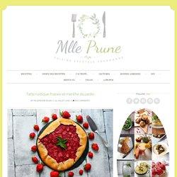 Tarte rustique fraises et menthe du jardin