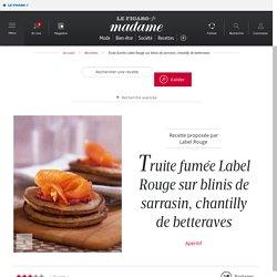 Truite fumée Label Rouge sur blinis de sarrasin, chantilly de betteraves - une recette Entre amis - Cuisine