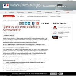 Signature du contrat de la filière Communication