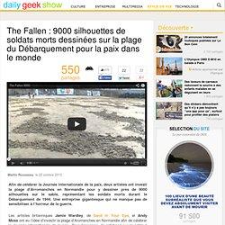 The Fallen : 9000 silhouettes de soldats morts dessinées sur la plage du Débarquement pour la paix dans le monde