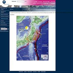Contexte sismotectonique du séisme du 11 Mars 2011. L'épicentre du choc principal est figuré par une étoile. Son mécanisme au foyer (USGS) montre que le plan probable de rupture a un très faible pendage vers l'ouest. Les ronds orangés correspondent aux ép
