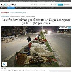 La cifra de víctimas por el seísmo en Nepal sobrepasa ya las 1.300 personas
