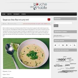 Soupe au chou-fleur et curry vert