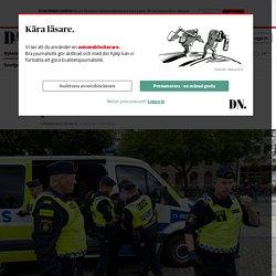 Flera gripna efter att ha sparkat på Koranen på Stortorget i Malmö