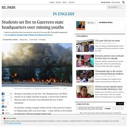 Students set fire to Guerrero state headquarters over missing youths
