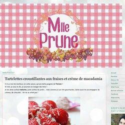 Tartelettes croustillantes aux fraises et crème de macadamia