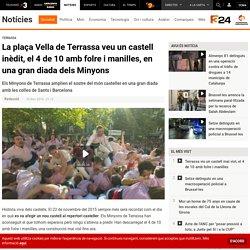 La plaça Vella de Terrassa veu un castell inèdit, el 4 de 10 amb folre i manilles, en una gran diada dels Minyons