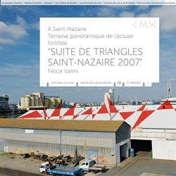 Suite de triangles Saint-Nazaire 2007 de Felice Varini - Oeuvre d'art contemporain - ESTUAIRE