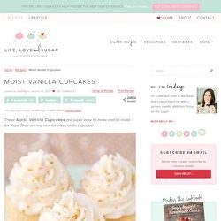 Moist & Fluffy Vanilla Cupcake