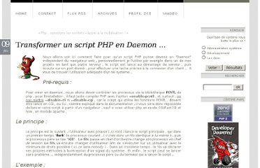 http://lindev.fr/index.php?post/2009/02/09/Transformer-un-script-PHP-en-Daemon