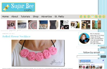 http://www.sugarbeecrafts.com/2011/02/rolled-flower-necklace.html