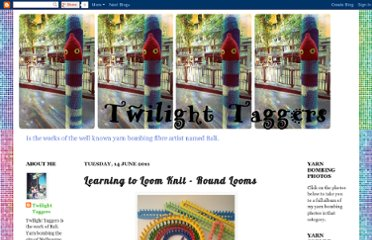 http://twilighttaggers.blogspot.com/2011/06/learning-to-loom-knit-round-looms.html