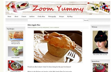 http://zoomyummy.com/2010/03/27/mini-apple-pies/