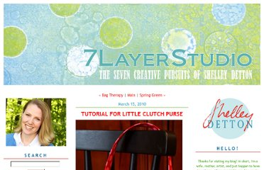 http://7layerstudio.typepad.com/7_layer_studio/2010/03/tutorial-for-little-clutch-purse.html