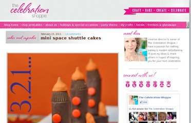 http://blog.thecelebrationshoppe.com/2011/02/15/mini-space-shuttle-cakes/#