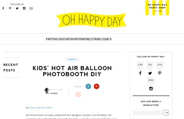 http://ohhappyday.com/2012/05/kids-hot-air-balloon-photobooth-diy/