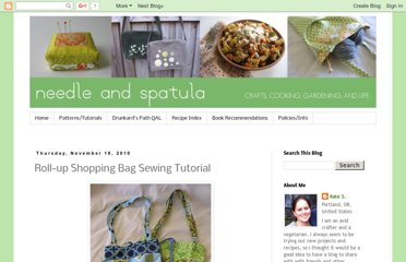 http://www.needleandspatula.com/2010/11/roll-up-shopping-bag-sewing-tutorial.html