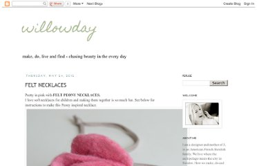 http://www.willowday.com/2012/05/felt-peony-necklaces.html