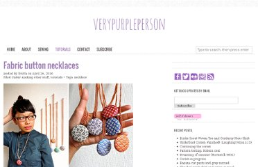 http://verypurpleperson.com/2010/04/fabric-button-necklaces/