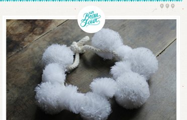 http://www.unbeaujour.fr/blog-mariage/doityourself/diy-headband-pompon-make-my-lemonade/