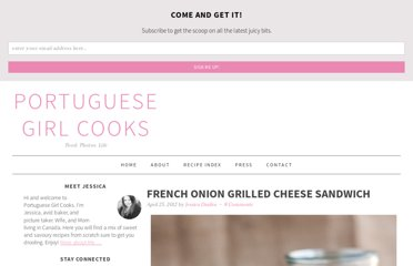 http://www.portuguesegirlcooks.com/2012/04/french-onion-grilled-cheese-sandwich/