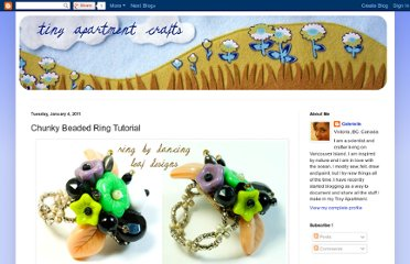 http://tinyapartmentcrafts.blogspot.com/2011/01/chunky-beaded-ring-tutorial.html