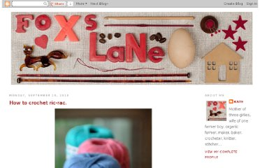 http://foxslane.blogspot.com/2010/09/how-to-crochet-ric-rac.html
